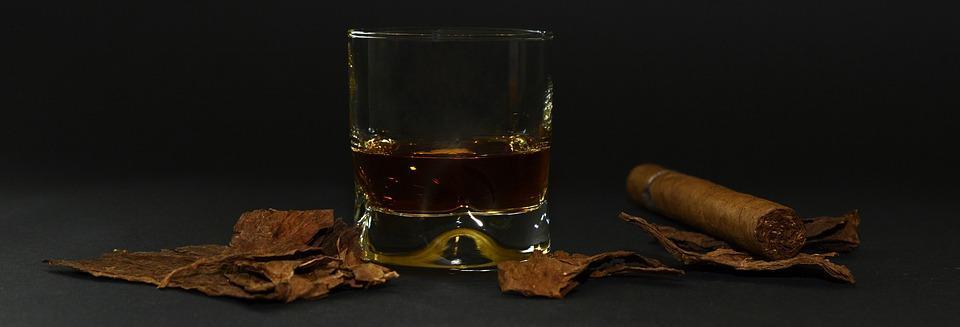 Jak prawidłowo pić whisky?