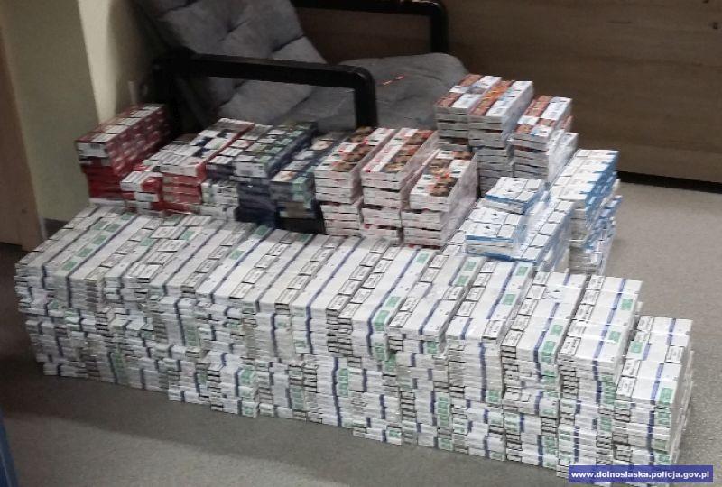 Przechwycili nielegalny tytoń ipapierosy owartości ponad 100 tys.