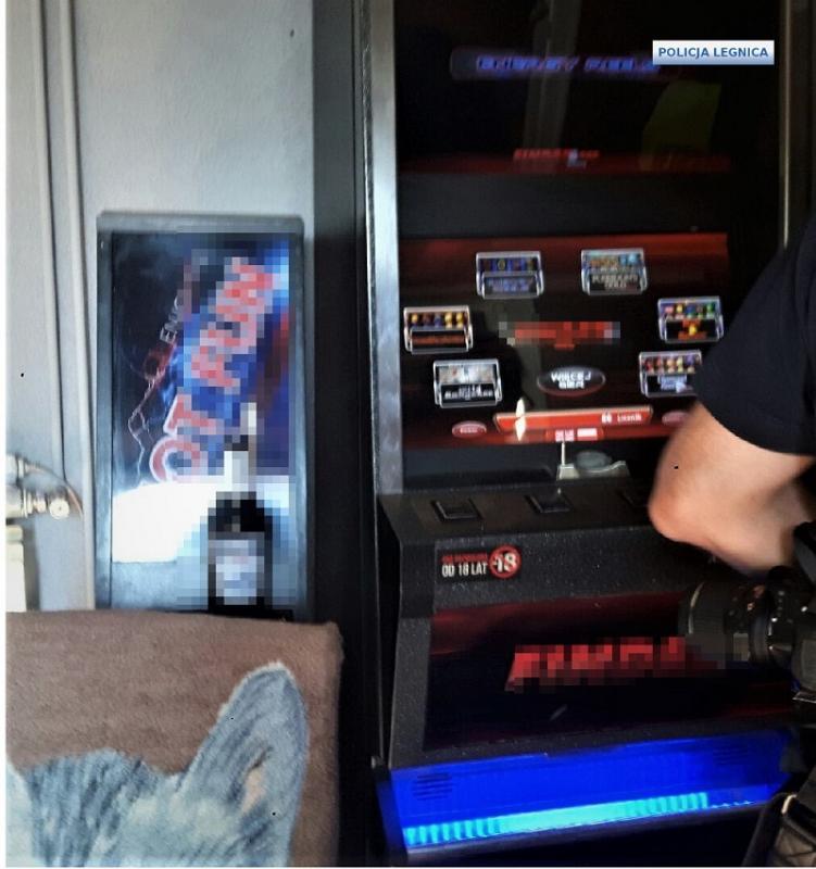 Kolejne nielegalne automaty dogier